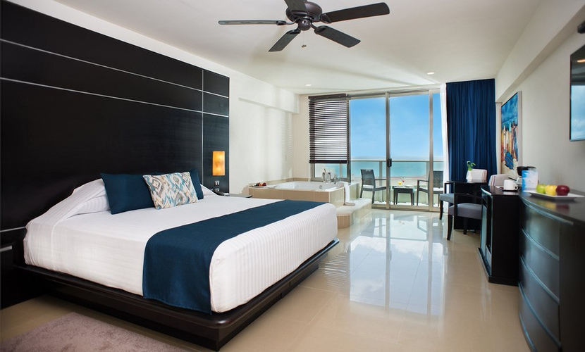 Club suite hotel seadust cancun family. cancún