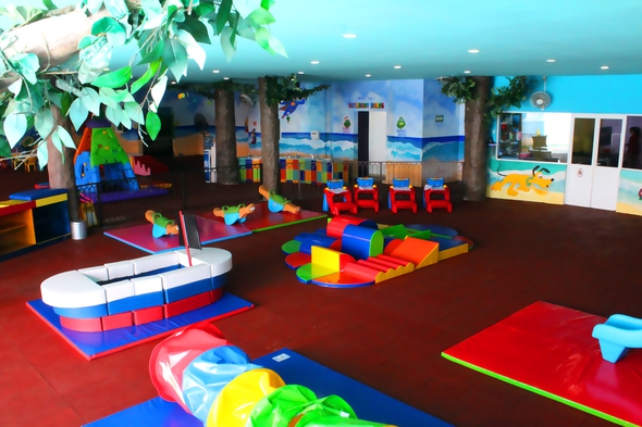 Babysitting service seadust cancun family. resort