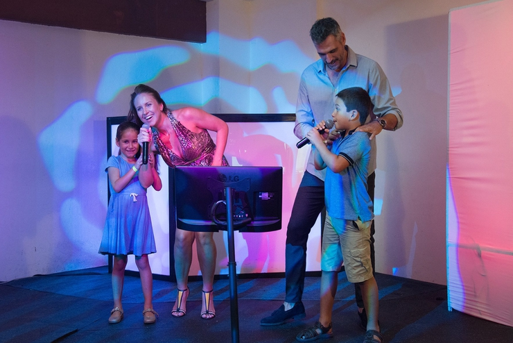 Bar karaoke seadust cancun family. resort