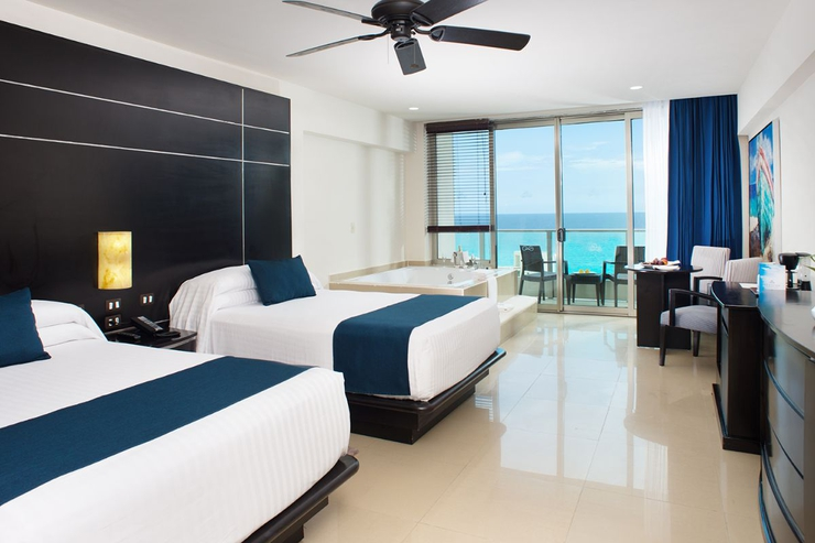 Club suite seadust cancun family. resort