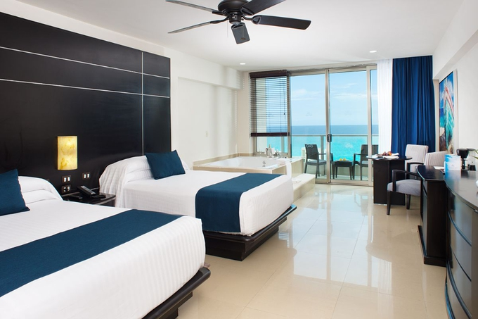Club suite seadust cancun family resort cancún